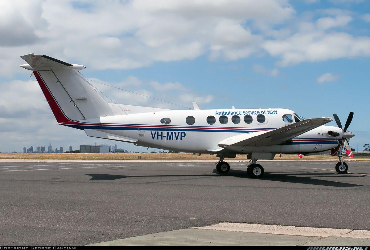 Photos Raytheon B200 King Air Aircraft Pictures