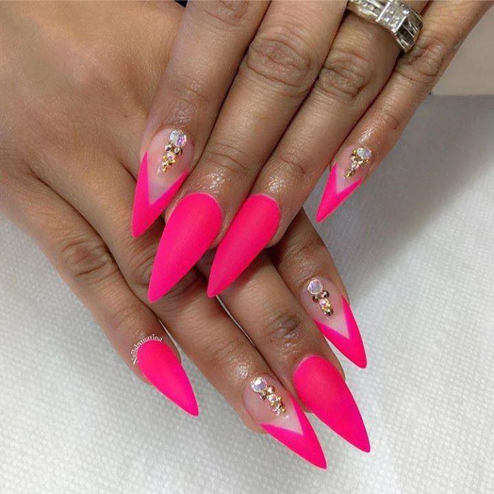 neon pink. summer nails. stiletto
