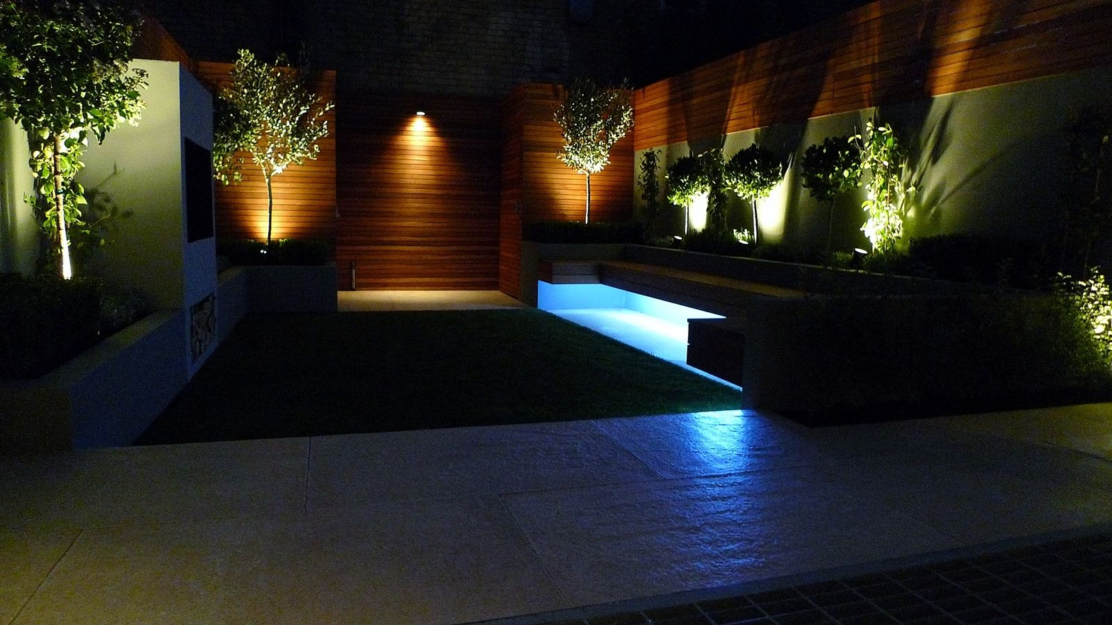 modern garden design and landscaping night time lighting fulham
