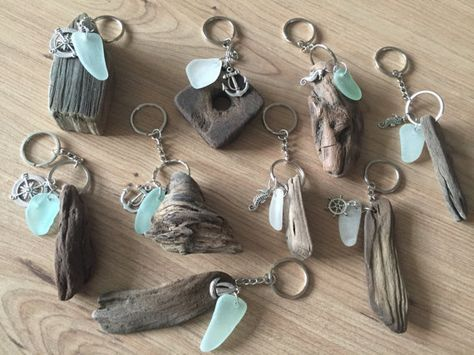 Photo of Driftwood Sea Glass Keychain Hecho a mano por Isle of Wight Beaches Idea de regalo natural Beach Love Keychain Fob Wedding Favors