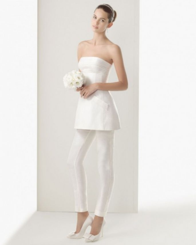 conjunto para novia con pantalones - foto rosa clará   bridal