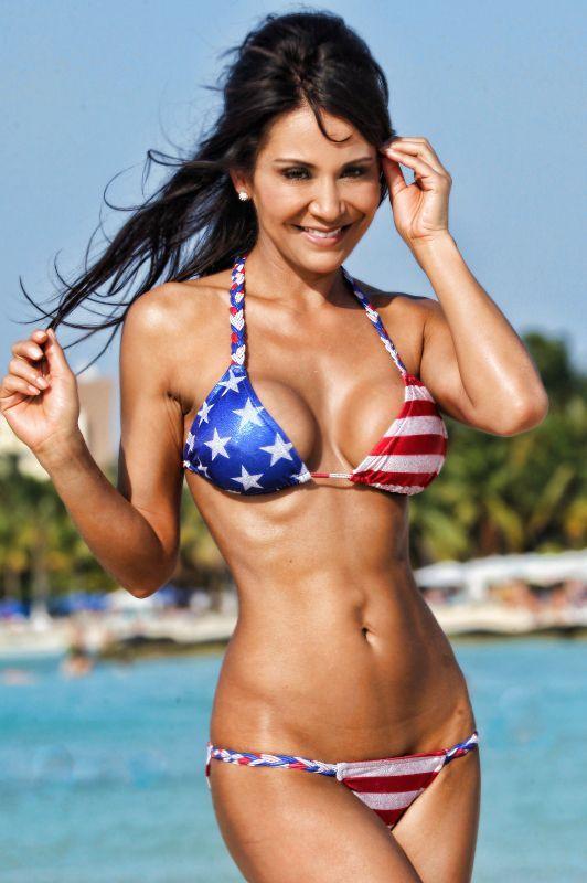 Bikini glamor modling