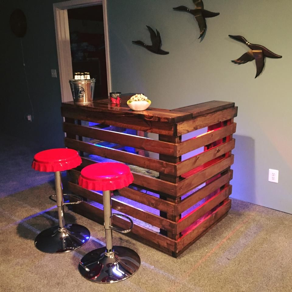 handcrafted pallet bar | Wooden Pallet Crafts | Pinterest ...