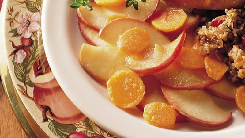 Maple-glazed carrots & apples.  You need only five ingredients to create this yummy, cardamom-scented side dish.