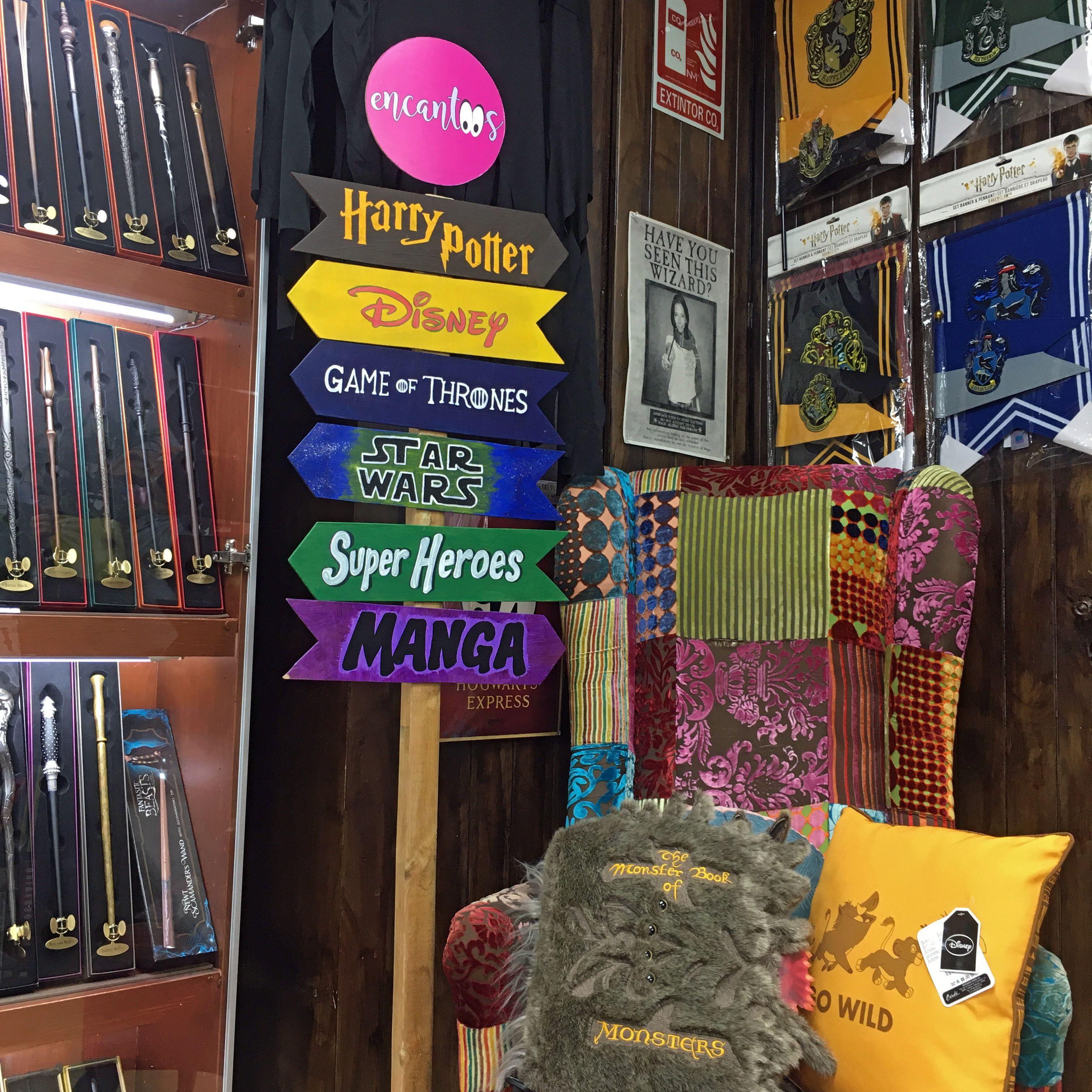 Tienda Friki En Barcelona Encantoos Castillo De Disney Game Of Thrones Disney