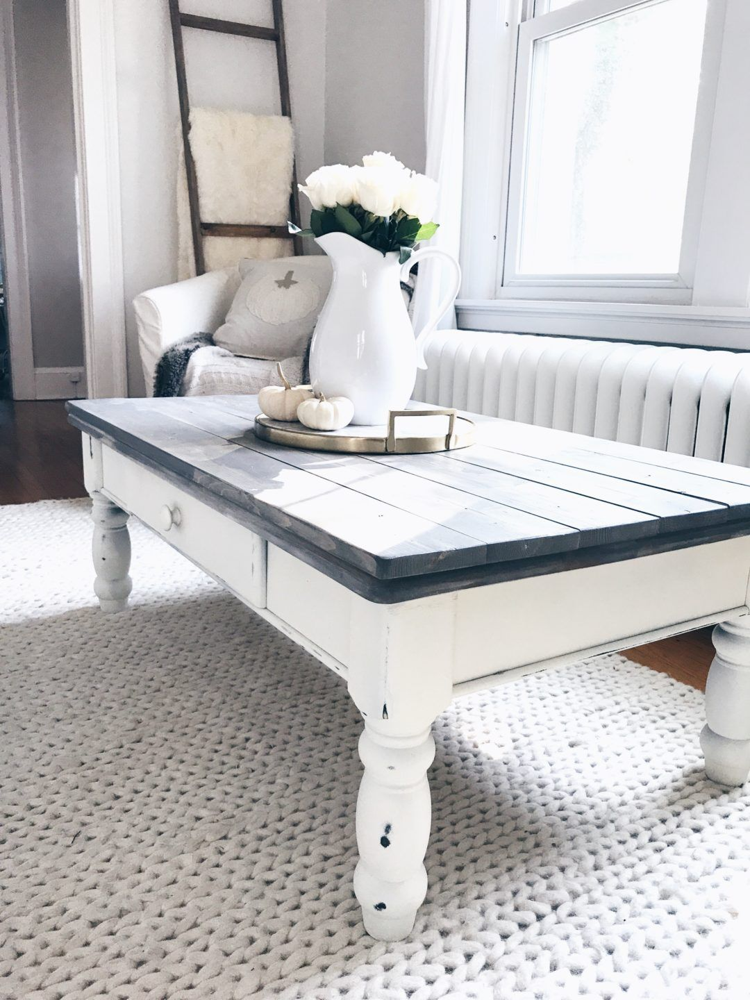 Farmhouse Coffee Table Makeover Gray Wood Plants On White Chalk Paint Coffee Table On Pinterestingpl Painted Coffee Tables Coffee Table Makeover Coffee Table