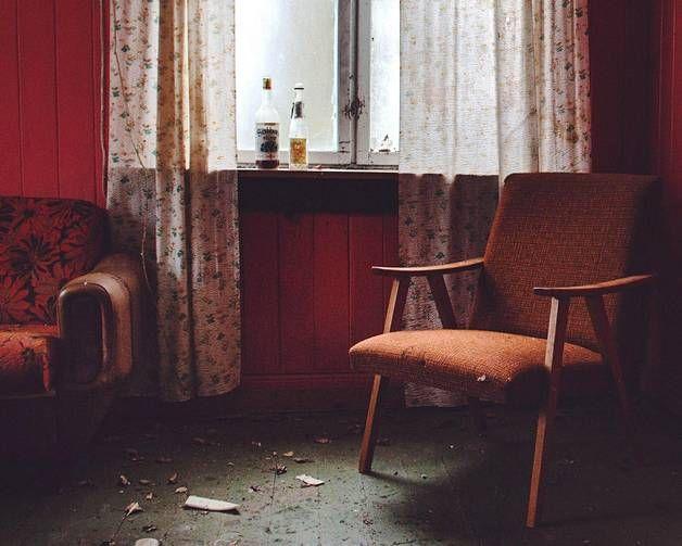 Britt M, Huonekalut jäivät paikoilleen.