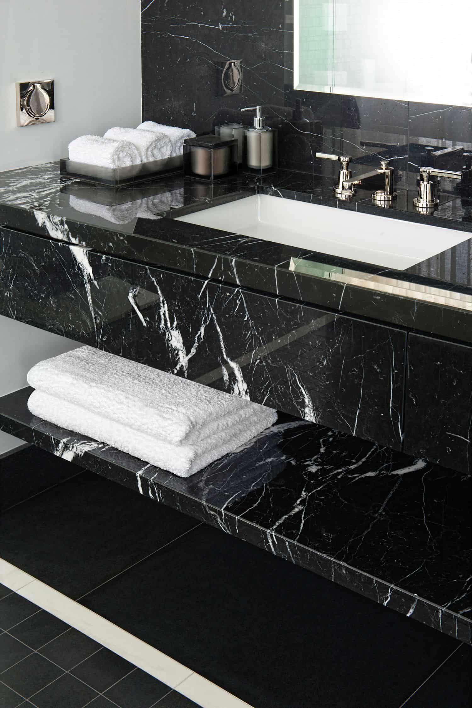 Black Marble Trendir In 2020 Black Marble Bathroom White Marble Bathrooms Marble Bathroom Designs