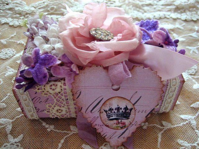 pingl par isabelle sur boites surprises bo tes sourires pinterest fete mere. Black Bedroom Furniture Sets. Home Design Ideas