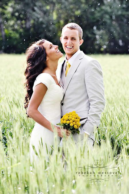 Felicidad!! #Yellow #amarillo #boda #decoración #novios