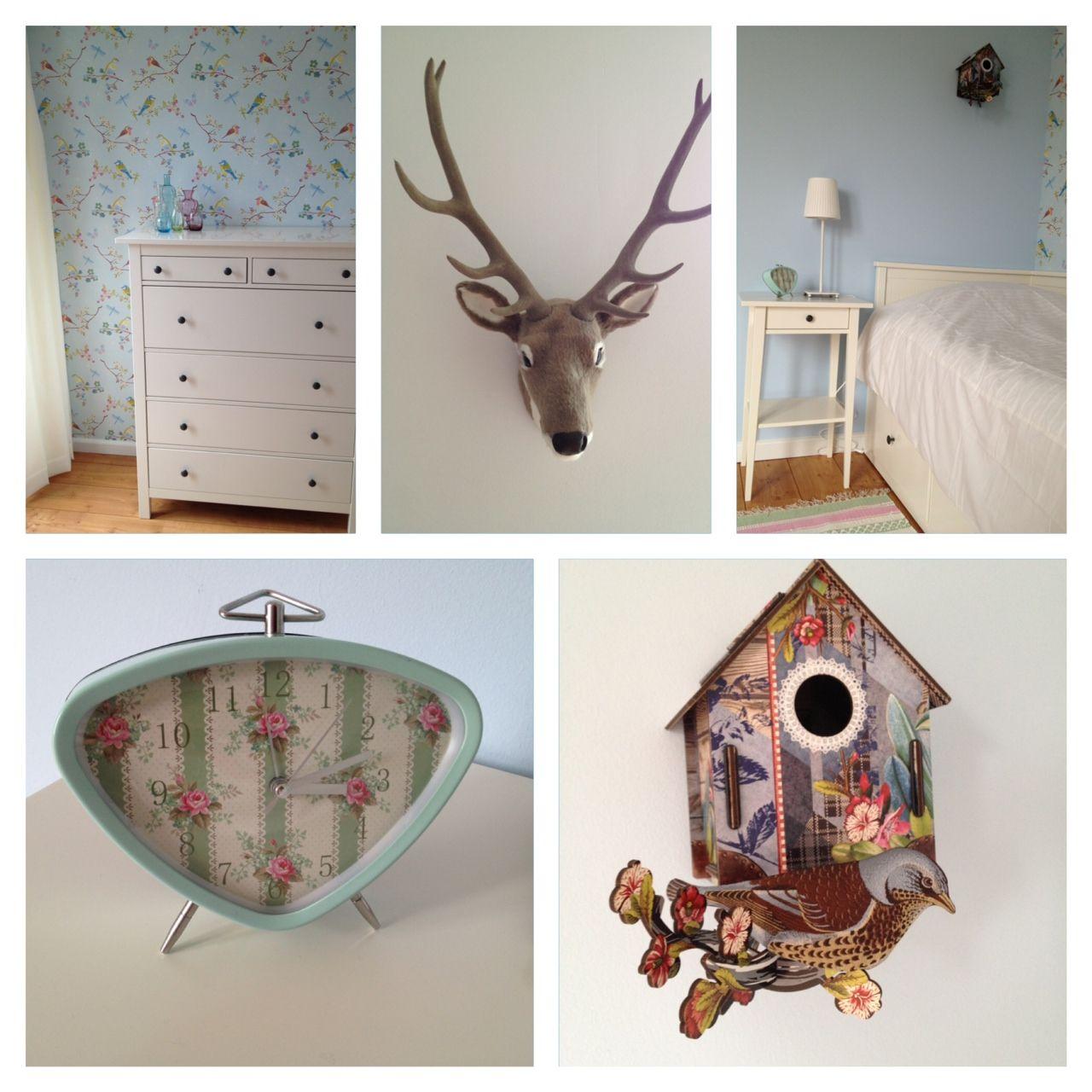 Onze Zweedse kamer! Behang van Pip en meubels van ikea.