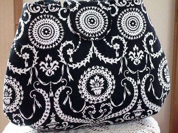 Classic black and white damsak