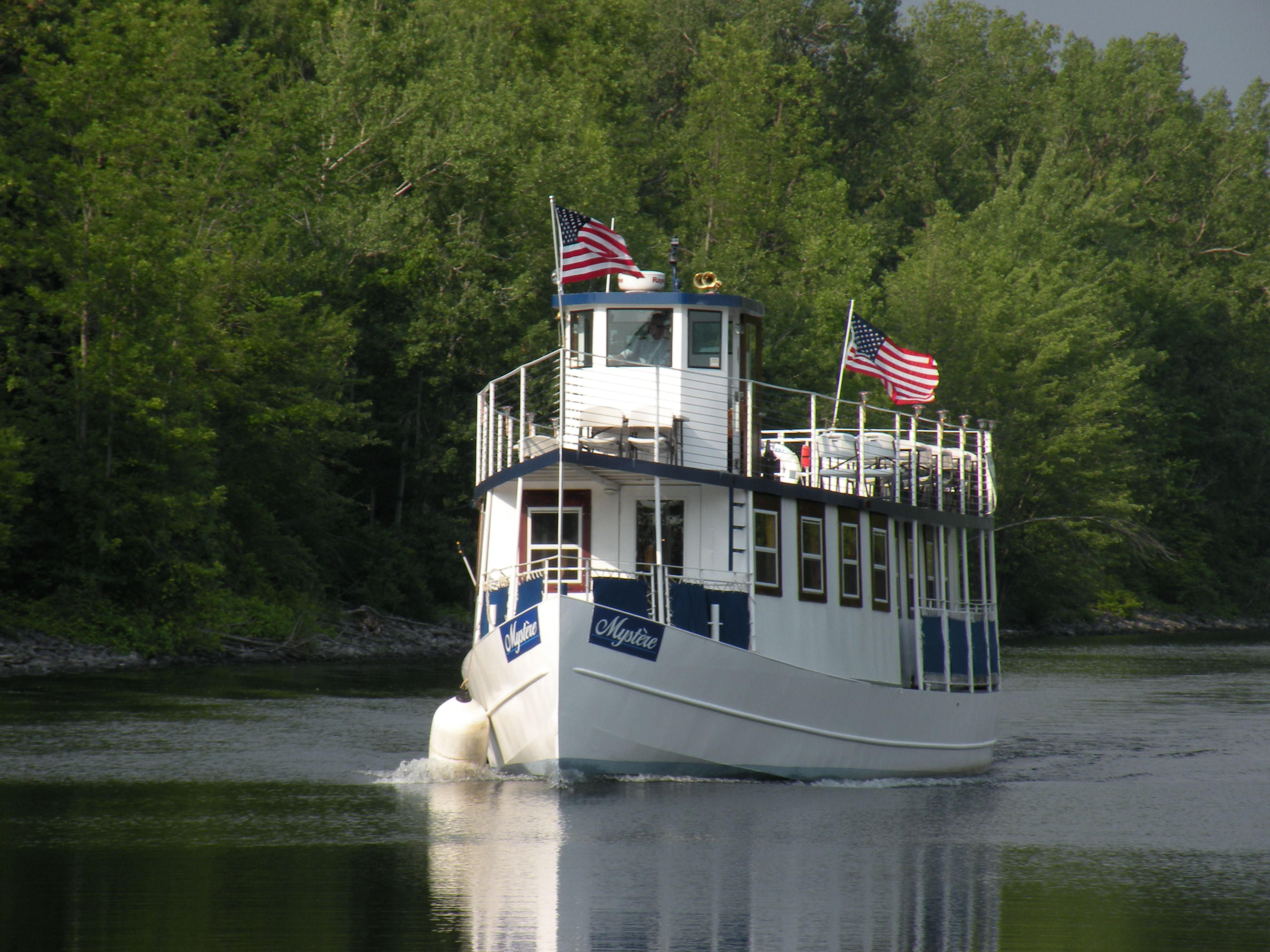 Consider Having Your Wedding Reception On A Sightseeing Boat On The