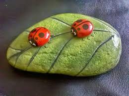 Resultado de imagen para arte de pintar en piedras para figuras de jardin