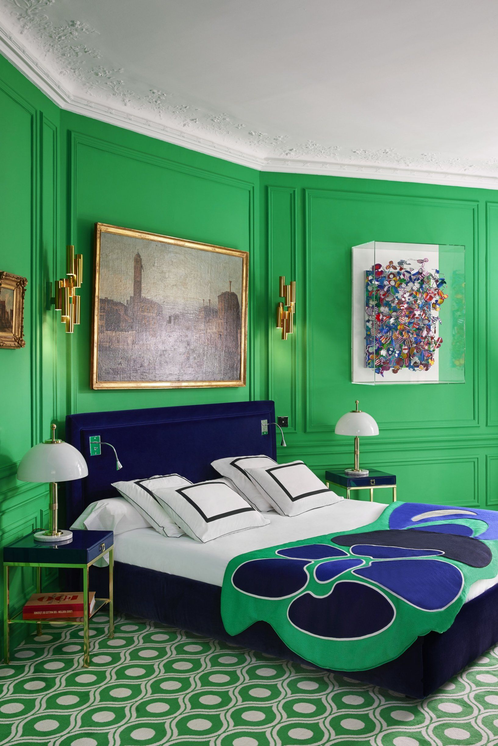 Un appartement haussmannien qui a bon teint | Adult bedrooms ...