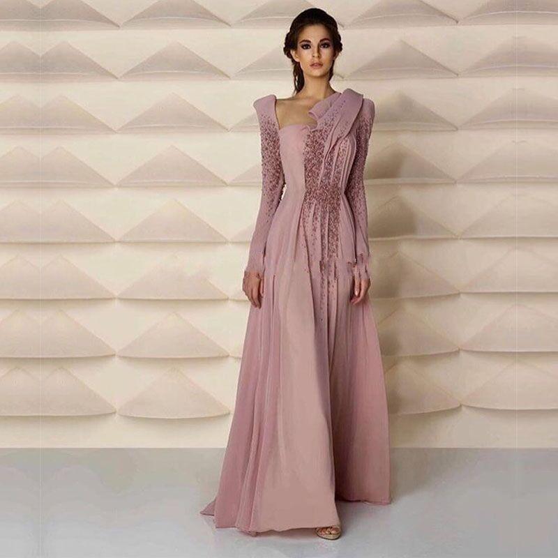 Жемчуг на вечернем платье