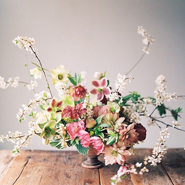 Seasonal flowers post up on @snippetandink today. I raided my hellebore garden for this arrangement! Thank to @kateosborne for the lovely…