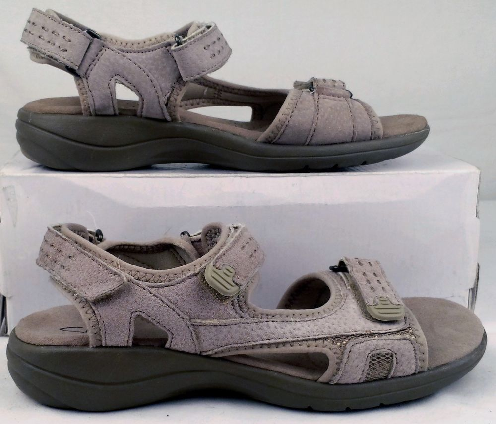 CLARKS  6.5 medium Womens ivory Suede leather low Sandals excellent used #Clarks #CasualSandals