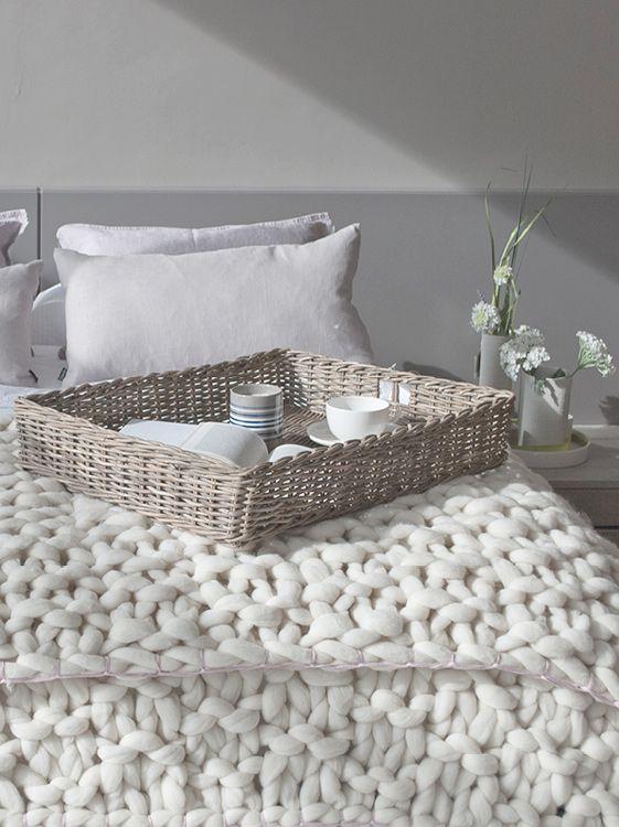 Colcha para cubrir las camas con punto gigante de lana for Colchas de punto de lana