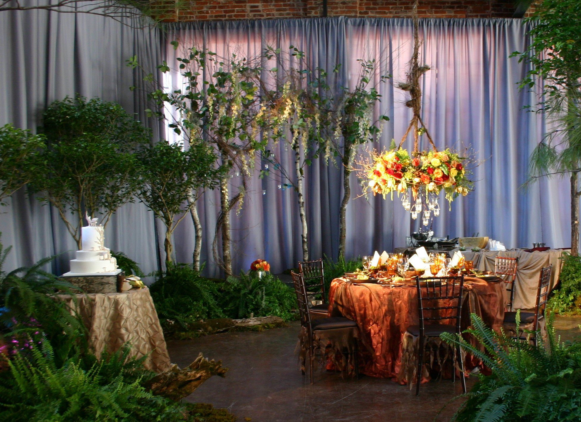 Where can i find enchanted forest cakes not wedding for Fairytale inspired home decor
