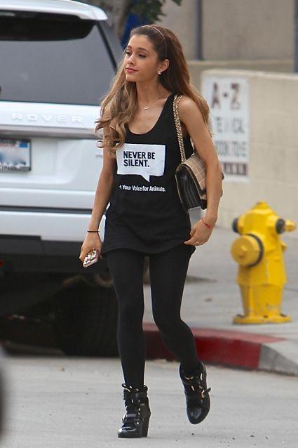 Ariana Grande Rocks Laid Back Basics At A Recording Studio In La Ariana Grande Images Sugarscape Com