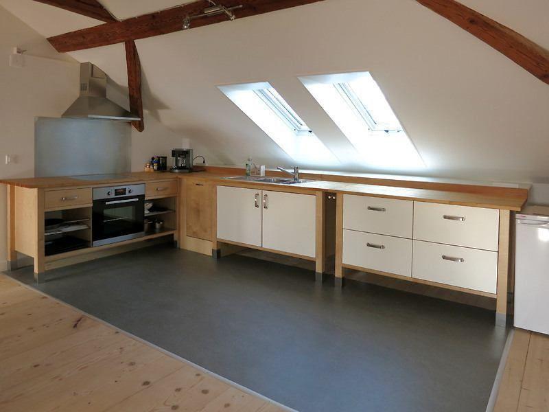 2 Zimmer Dachwohnung In Munchenbuchsee Be Mobliert Temporar Mieten Bei Coozzy Ch Coozzy Mit Bildern Wohnung Gewerbeflache Mietwohnungen