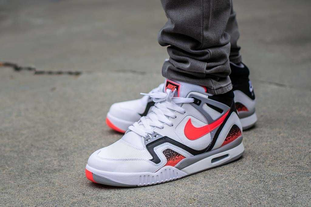 Malgastar escribir una carta Ficticio  Nike Air Tech Challenge II QS Hot Lava On Feet Sneaker Review | Sneakers, Nike  air, Nike