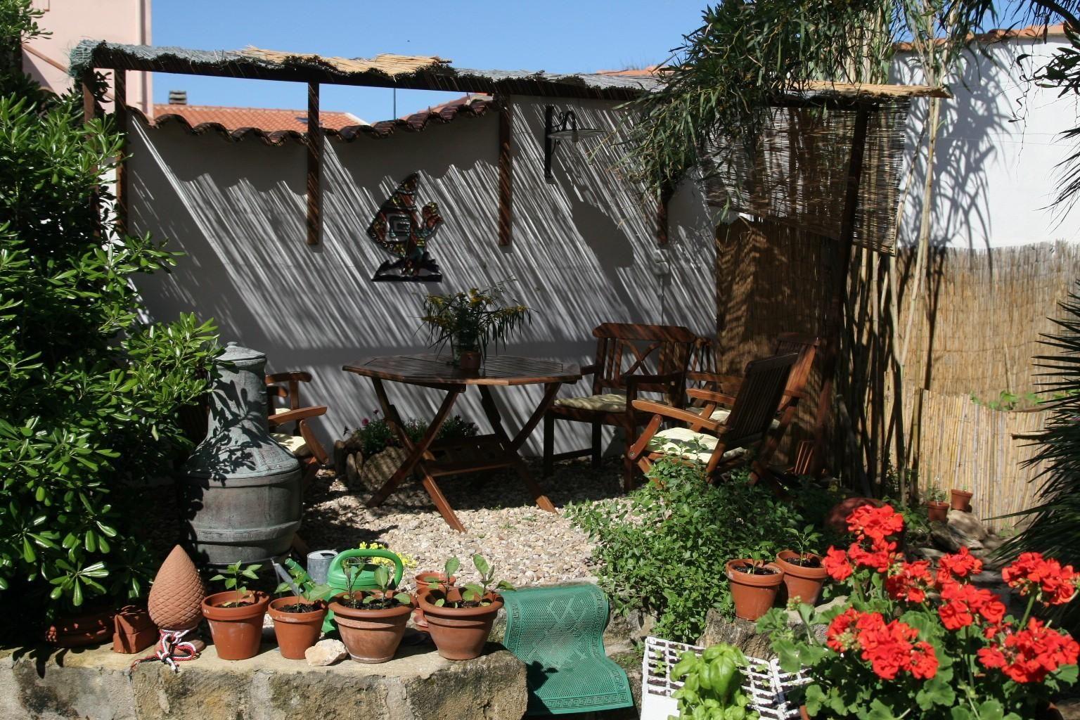 ferienhaus auf sardinien direkt am meer von privat mit. Black Bedroom Furniture Sets. Home Design Ideas