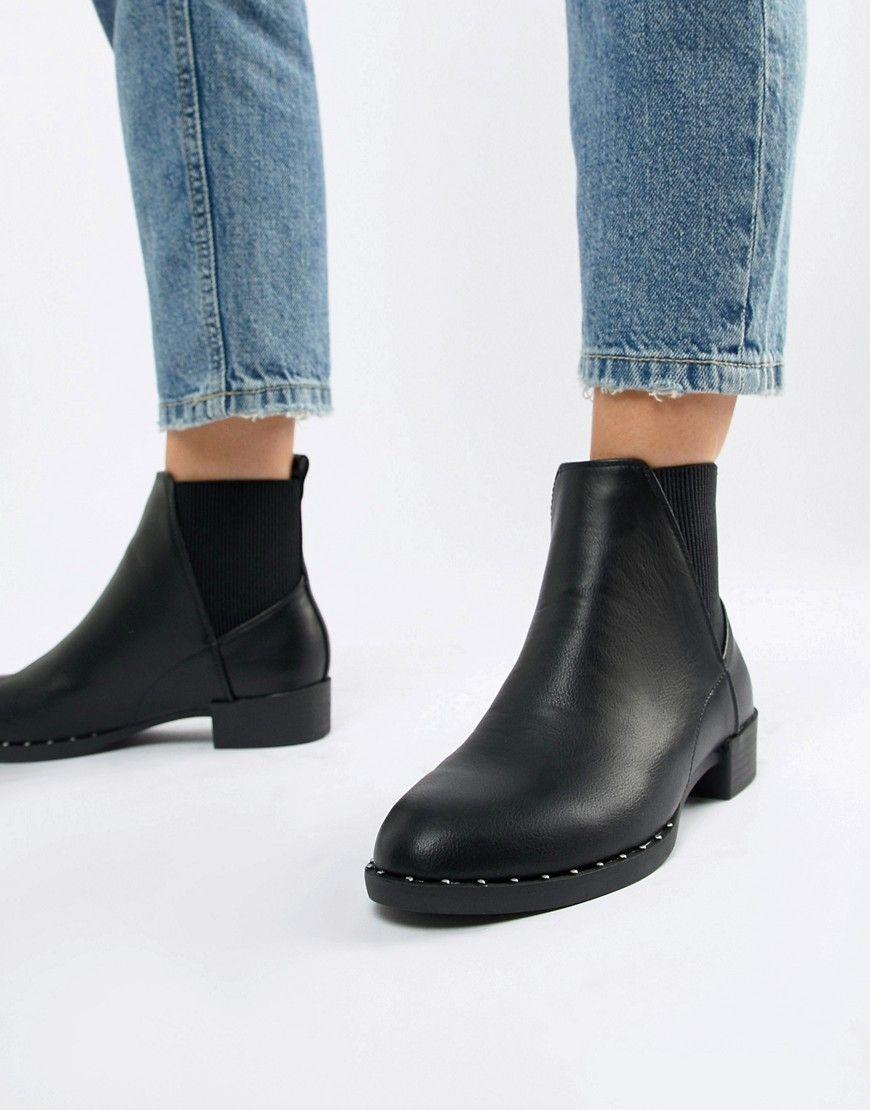 New Look - Flache Stiefel mit Nieten in Schwarz - Schwarz Jetzt bestellen  unter  https 4e50847d5b