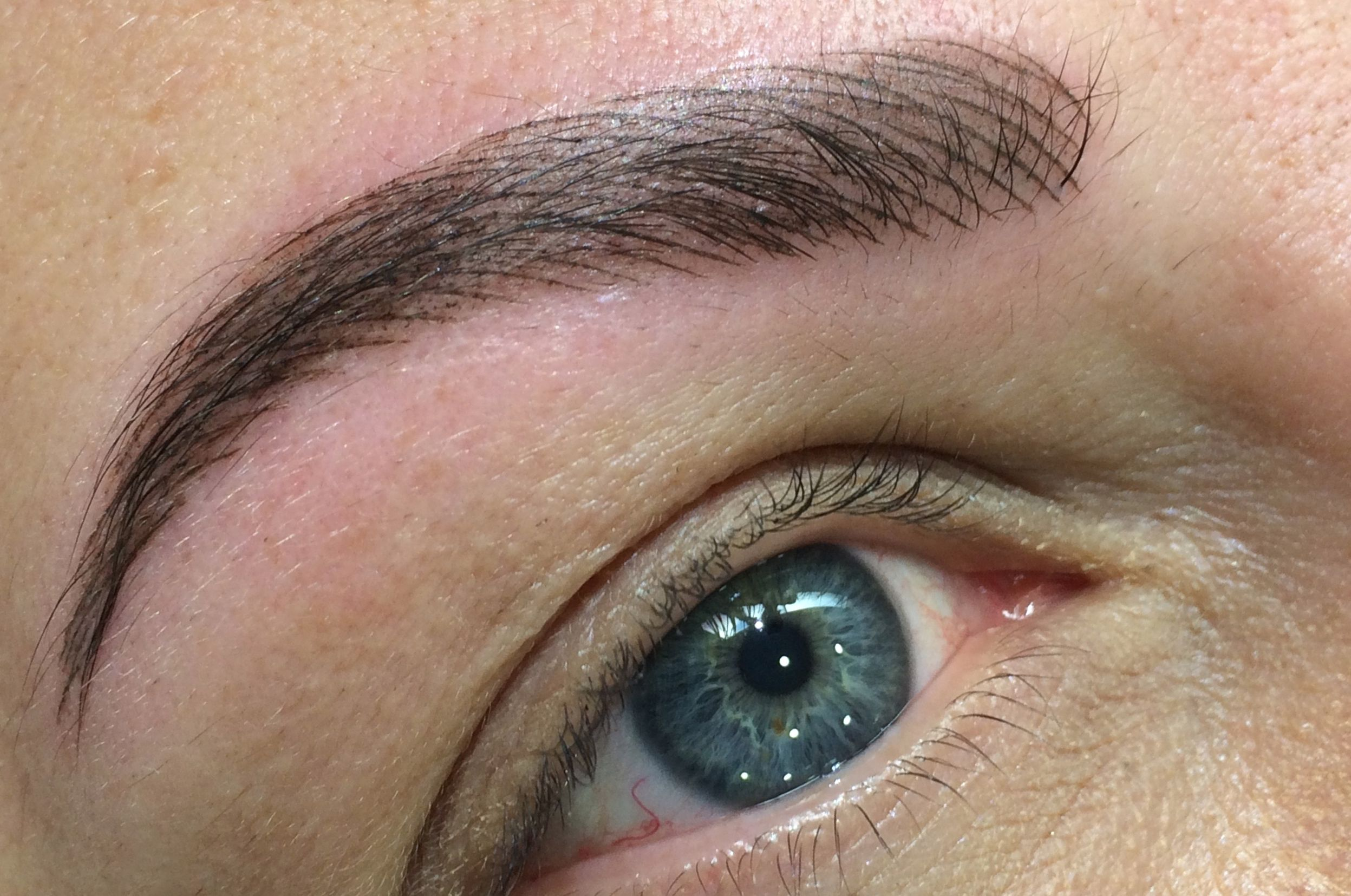Stunning 3d eyebrow tattoo carried out at our workshop with Marika ...