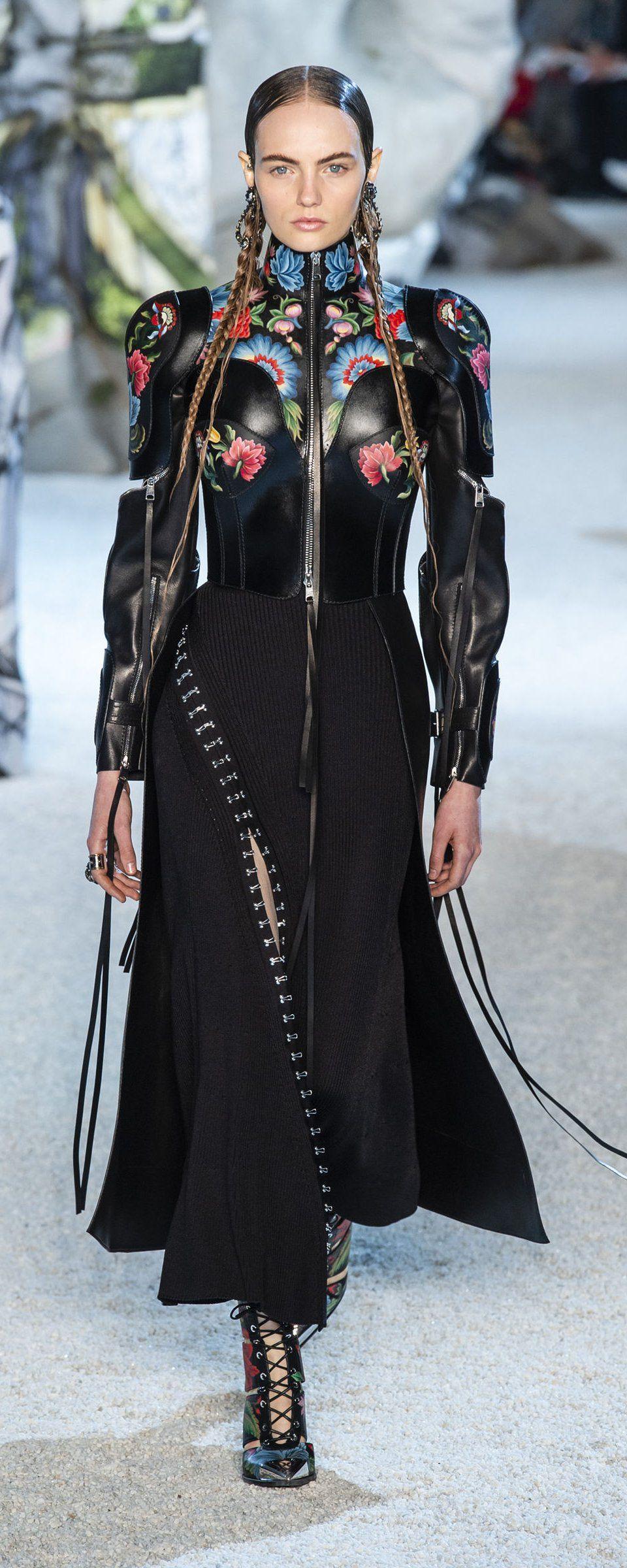 McQ by Alexander McQueen SpringSummer 2019 Collection – New York Fashion Week foto