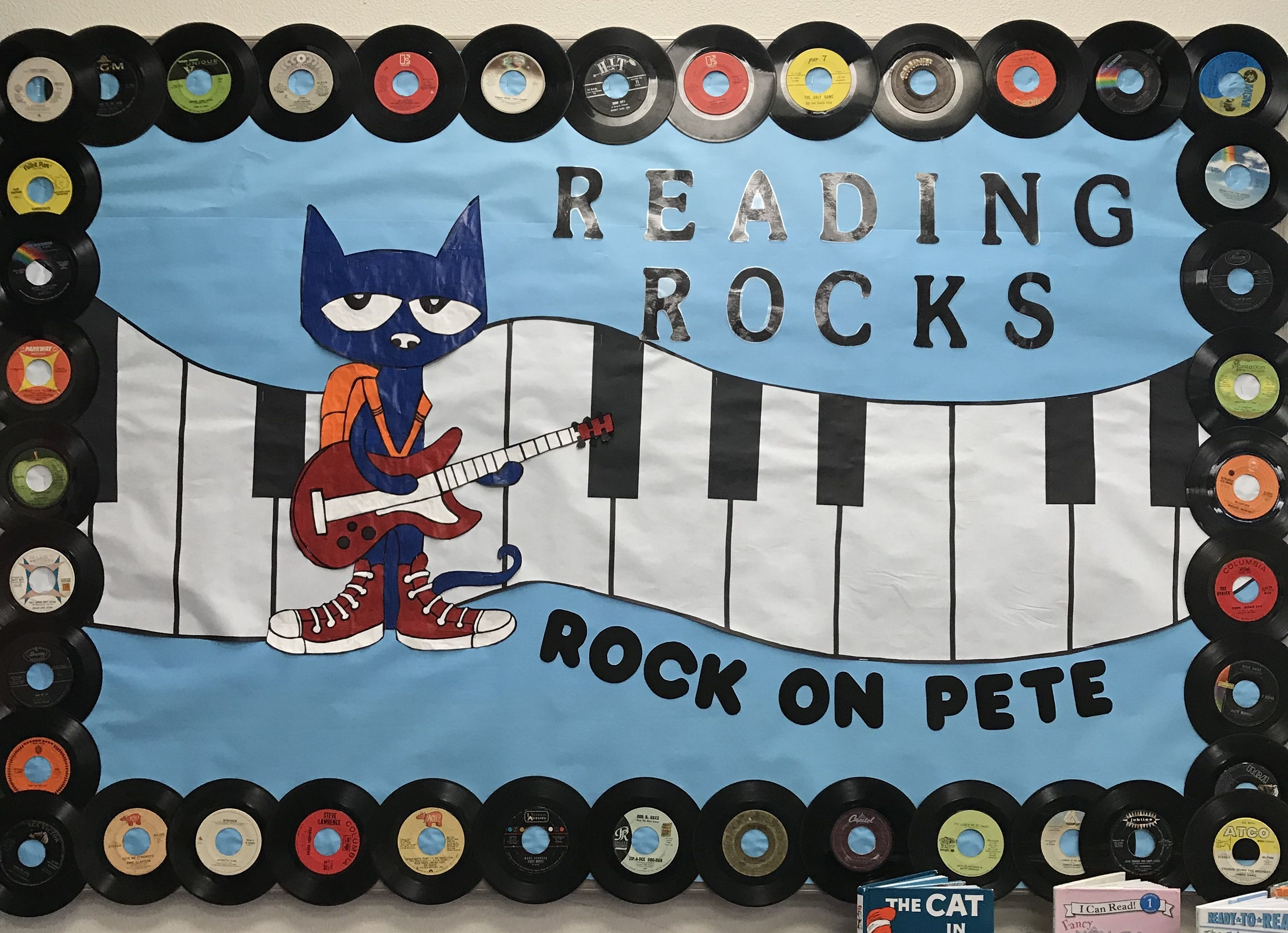 Reading Rocks My Bulletin Board For Our Summer Theme At The