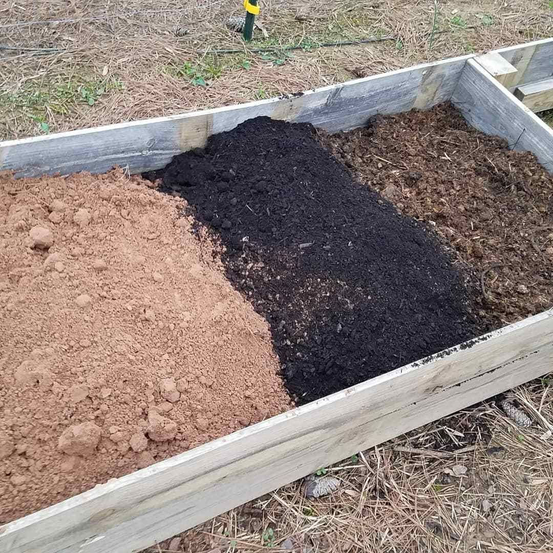 3 Raised Bed Soil Mixes Compared