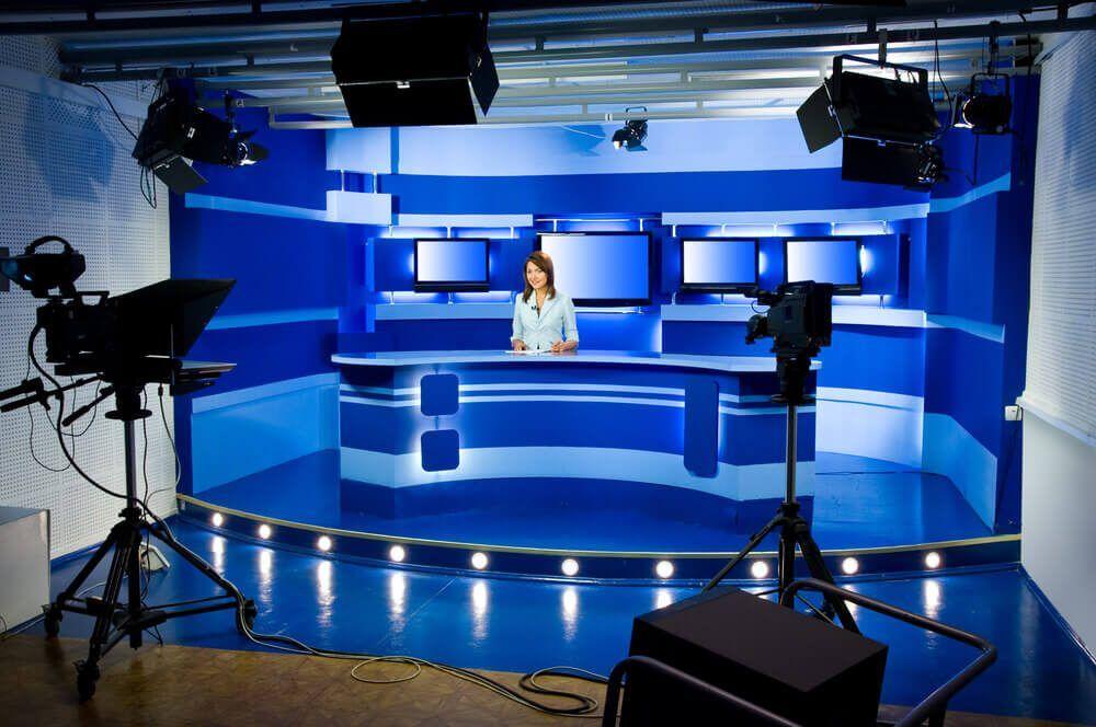 Beim Fernsehen Arbeiten