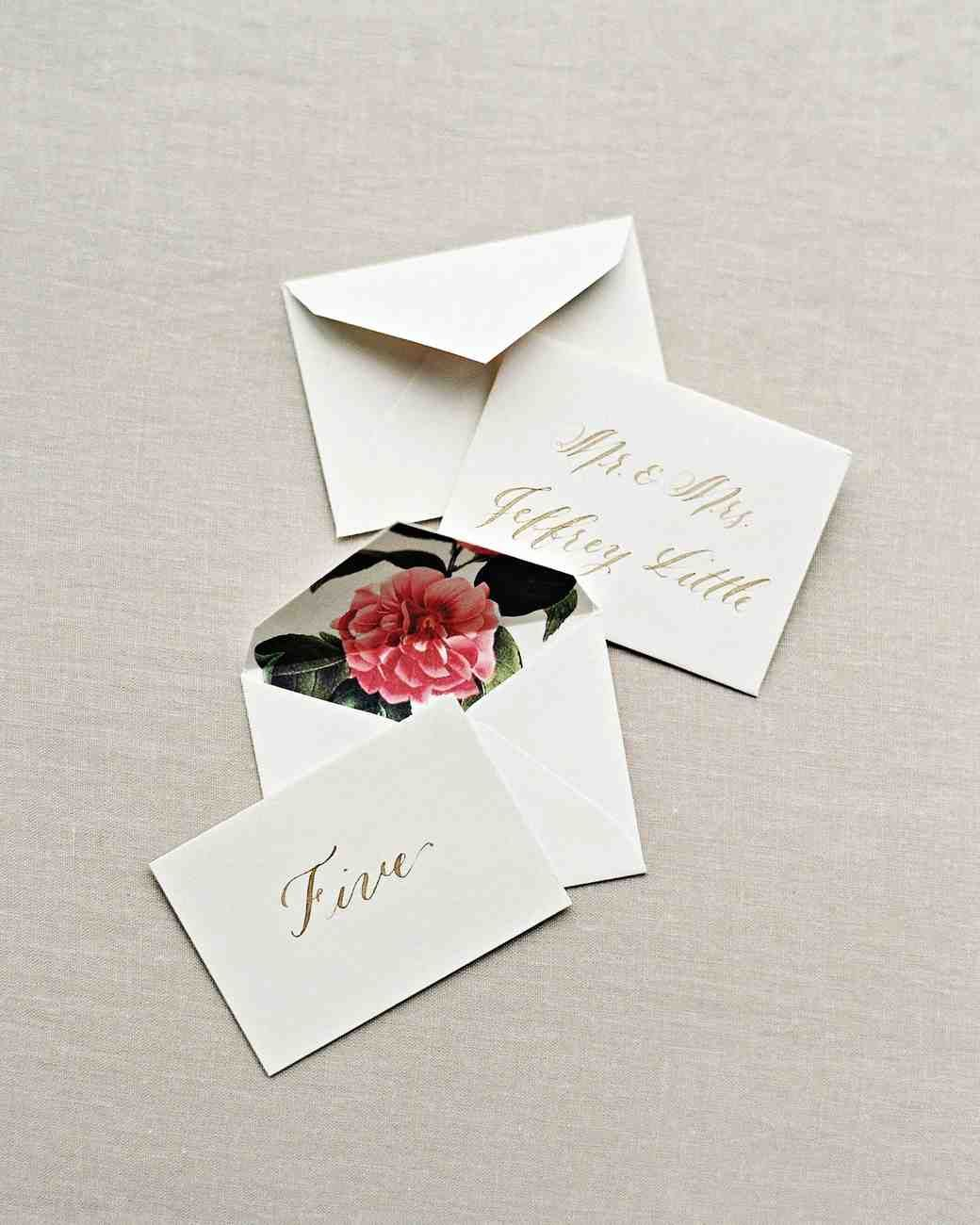 25 Ideas for the Prettiest Calligraphed Escort Cards   Martha ...