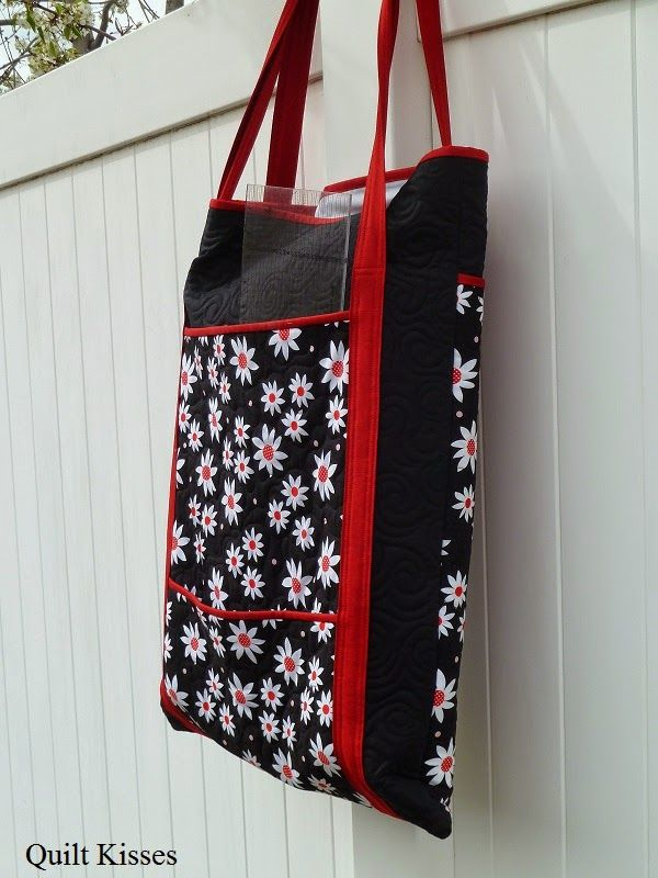 Quilt Kisses: Two Queen Bee Bags