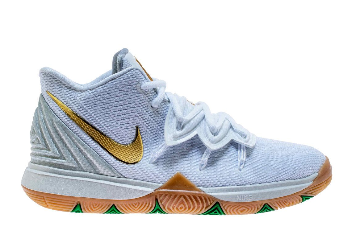 wholesale dealer e4975 75b65 The Nike Kyrie 5 Gets A Lucky Irish Colorway Fit For The Celtics