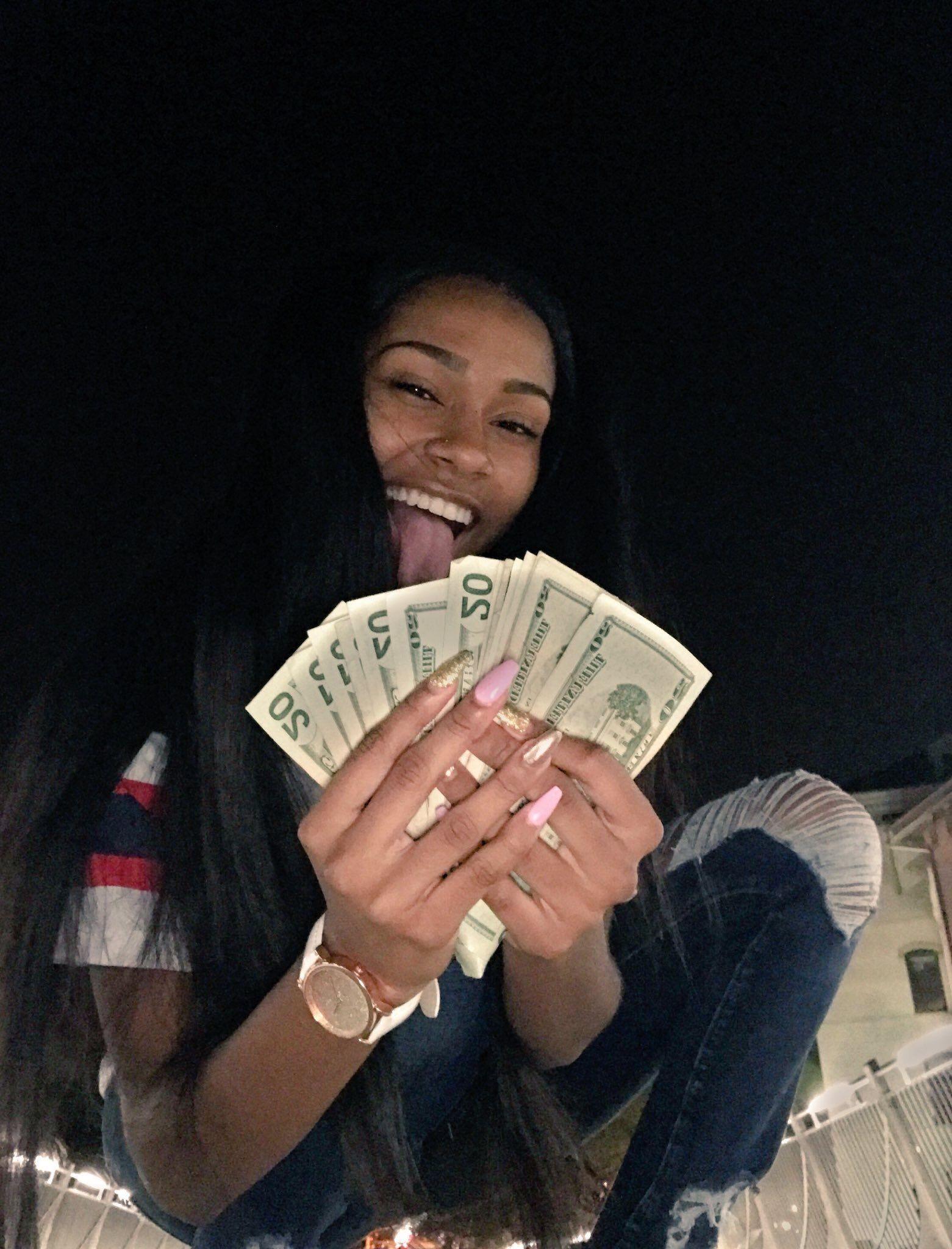 почти всё найти девушек готовых за деньги развратные стройные