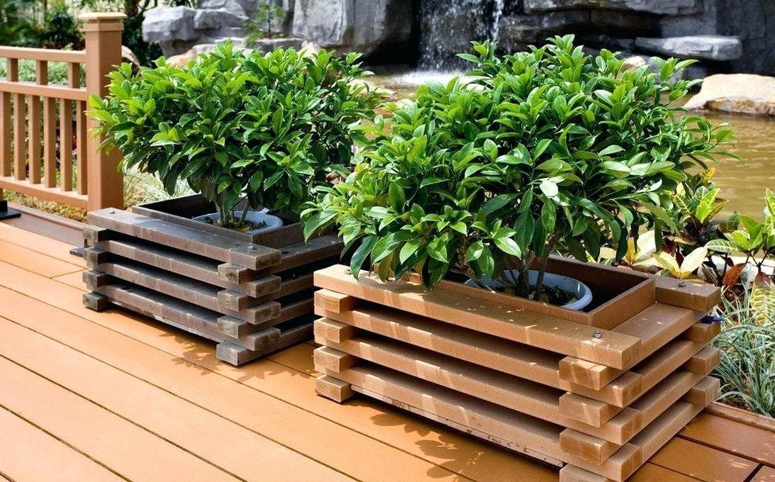 Waterproof Planter Liners for Your Planter Boxes Beautiful Wooden Crate Garden Planters Planter Boxes Best Wood for #woodengardenplanters