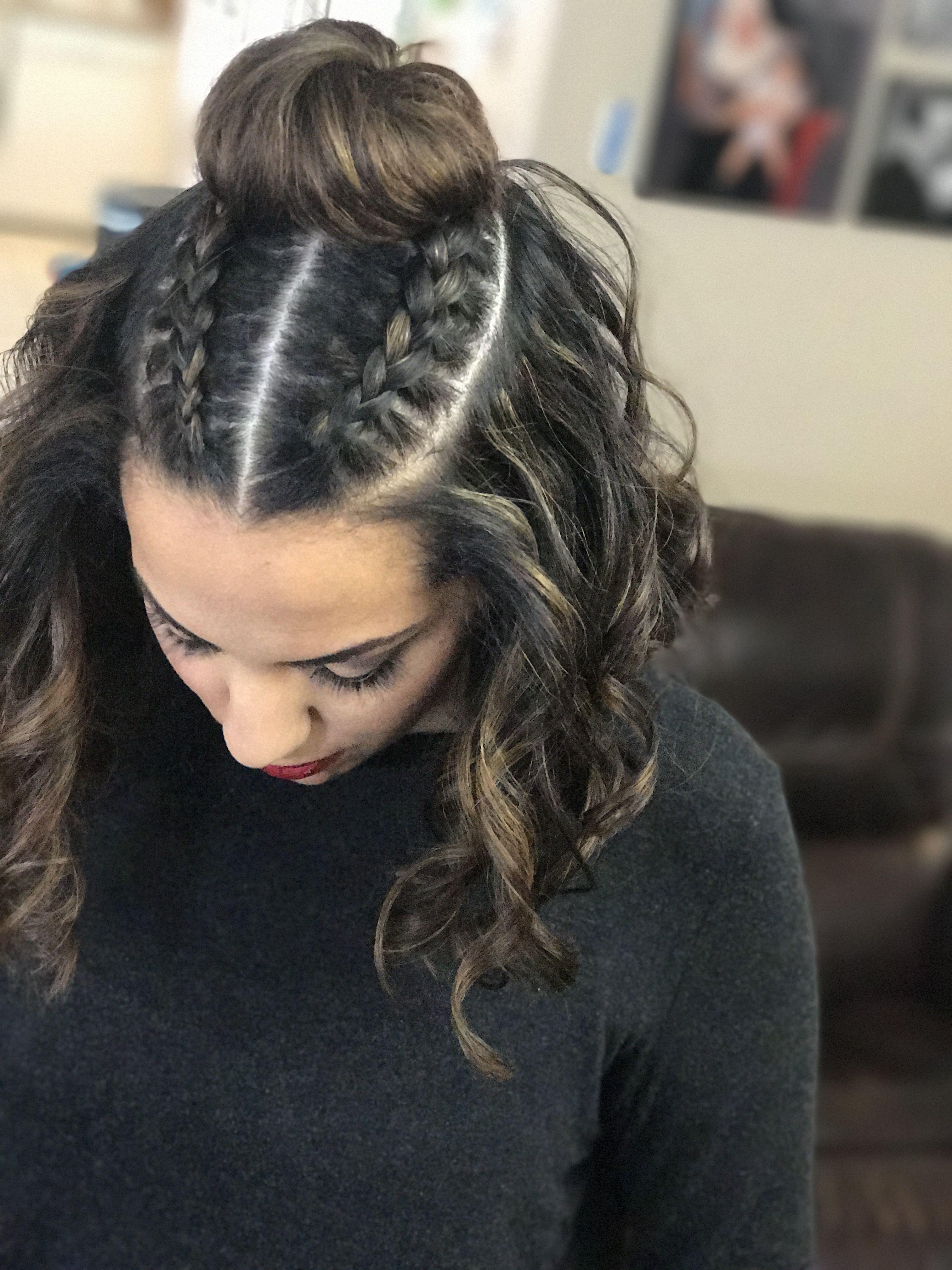 Top Knot Loose Curls Desithediva Topknot Braids Halfup Braidideas Btcpics Braids Braids With Curls Two Braid Hairstyles Braids For Short Hair