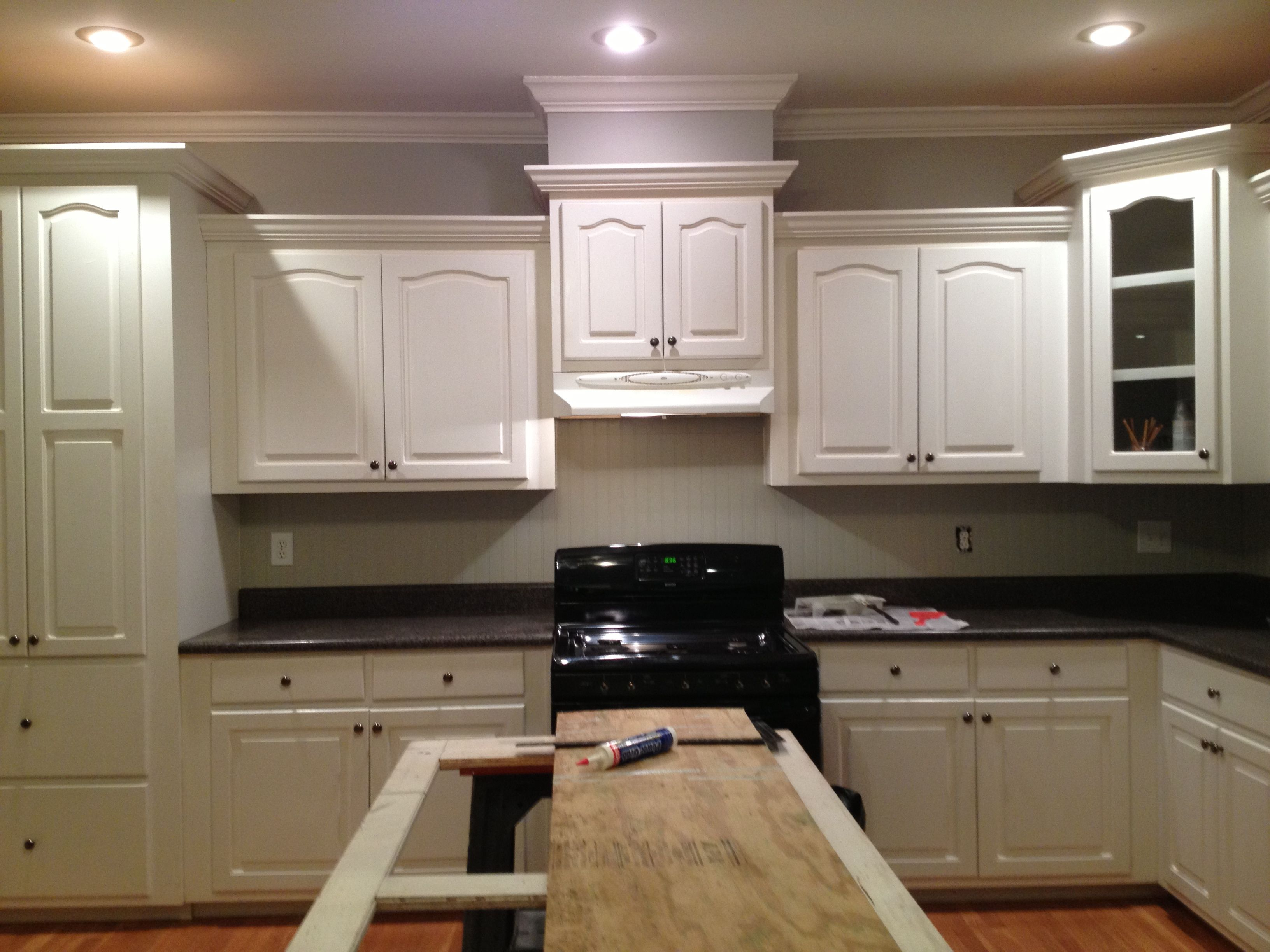 Best Benjamin Moore Winterwood White And Light Gray Kitchen 400 x 300