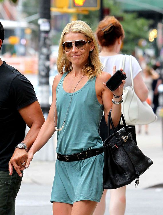 Wardrobe Malfunction: Kelly Ripa Forgot Her Bra (PHOTOS) | Pinterest ...
