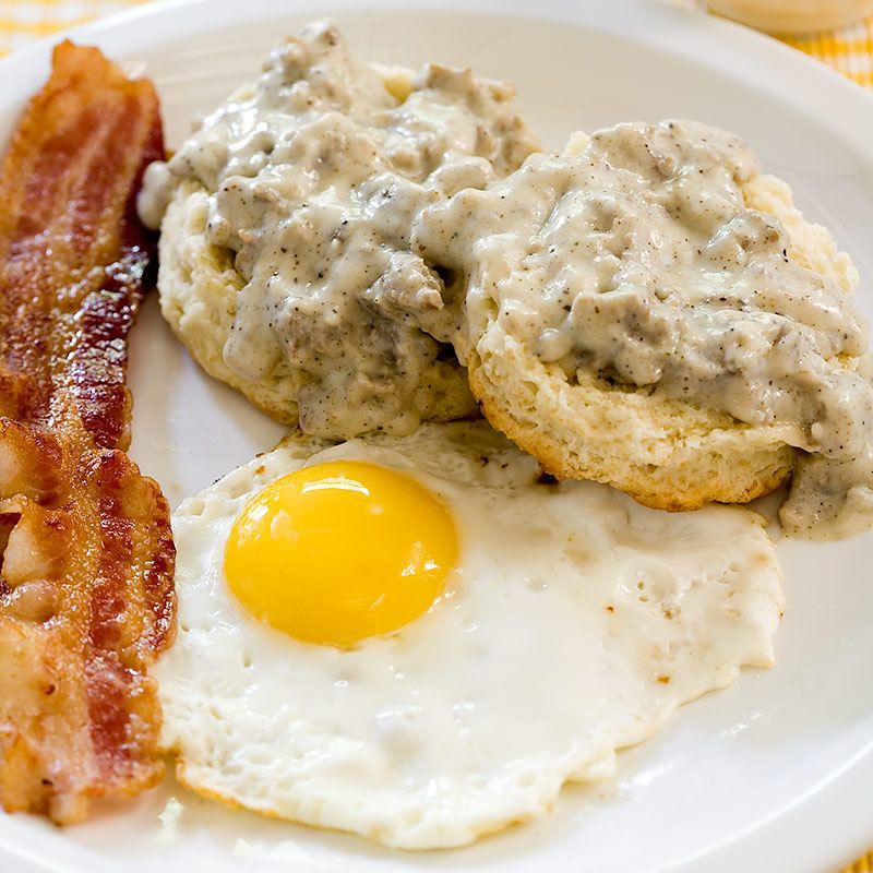 Biscuits And Sausage Gravy Cook S Country Sausage Gravy Southern Breakfast Recipes