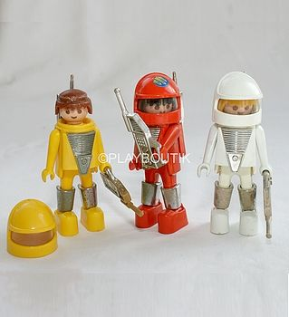 Playmospace astronautes : http://www.playboutik.com/achat-astronautes-playmospace-406075.html