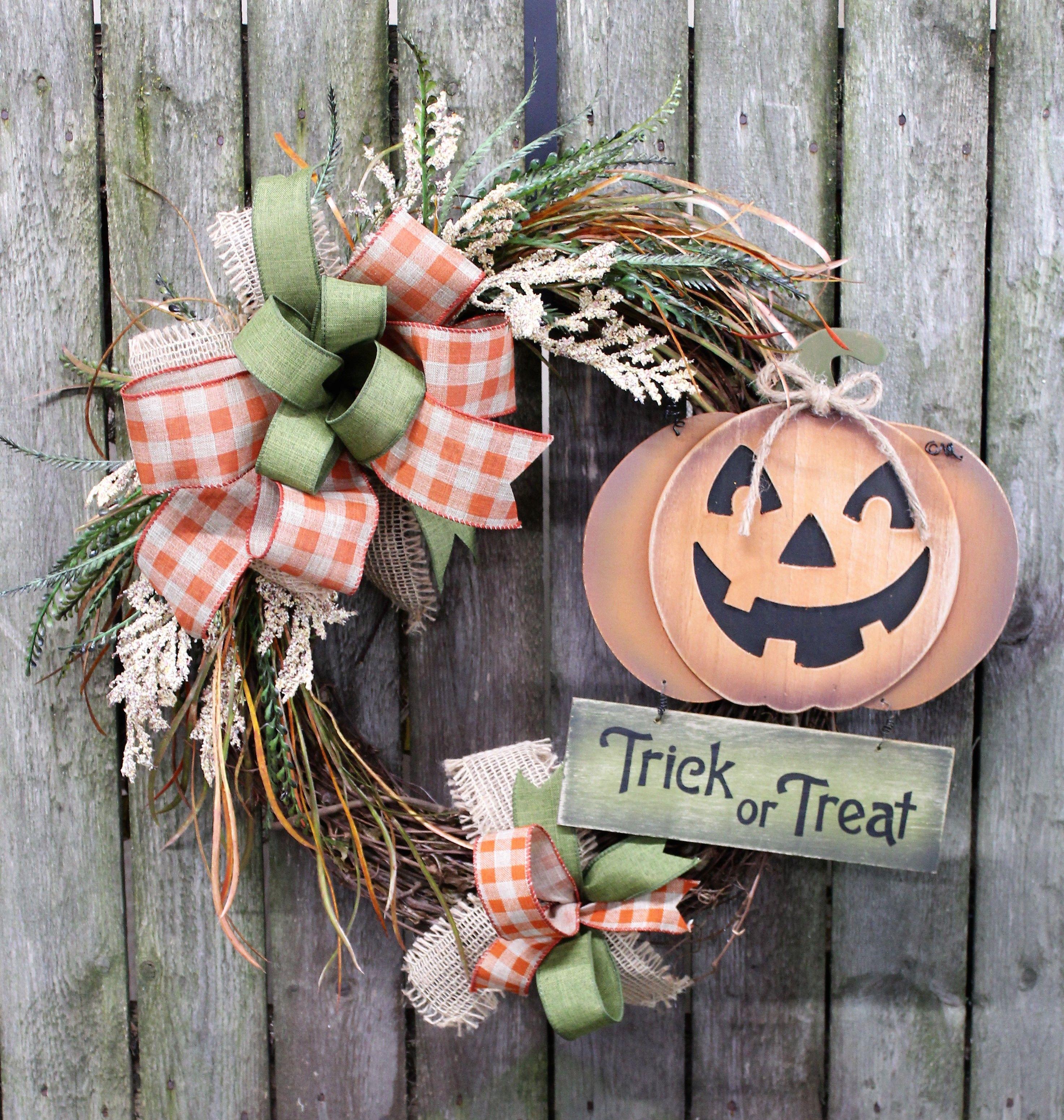 Halloween Front Door, Pumpkin Wreath, Trick or Treat