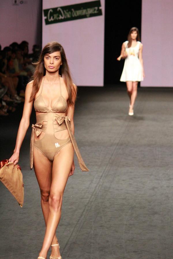 GC Moda Cálida (@GCModaCalida) | La piel es la protagonista de la nueva colección de @arcadinas aderezada con trocitos de nácar #GCMC