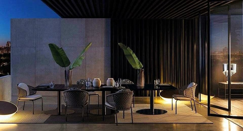 Minotti made in italy bellagio lounge outdoor dining table by