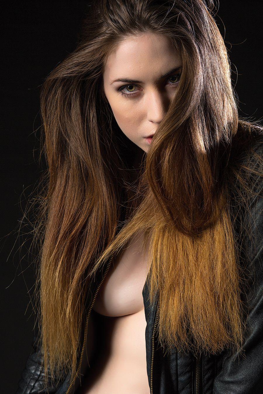 Elle Beth Nude Photos 30