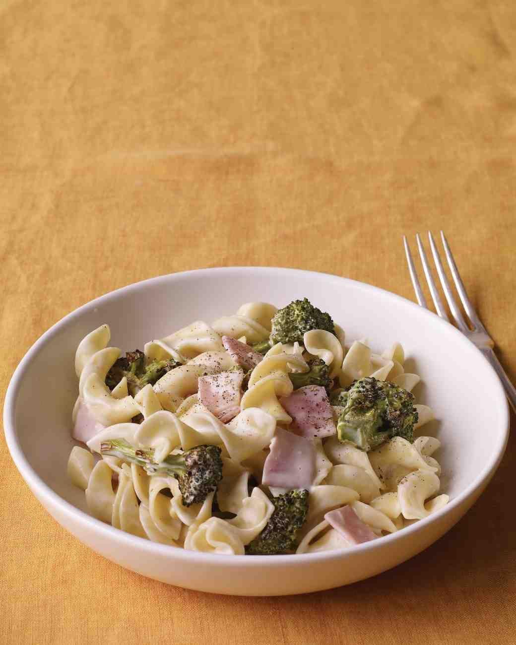 Creamy Pasta with Ham and Broccoli
