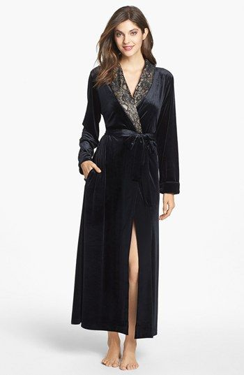 1930s Black Velvet Quilted Robe with ecru lace ruffle at collar ... : ladies quilted dressing gowns - Adamdwight.com